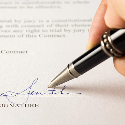 signing-costa-rica-real-estate-contract